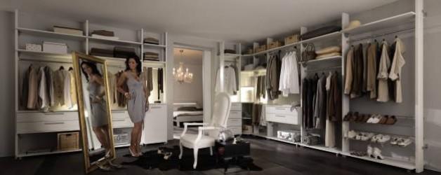 Neu – Begehbarer Kleiderschrank