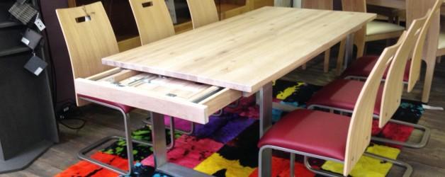 Abverkauf – Set Tisch plus Freischwinger – VERKAUFT