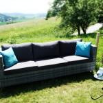 Sofa mit Armlehnen